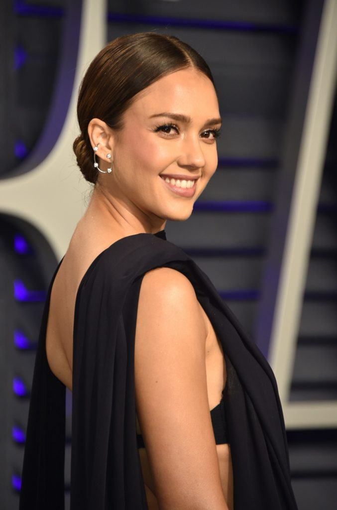 Jessica Alba Loves Miss Dior Cherie
