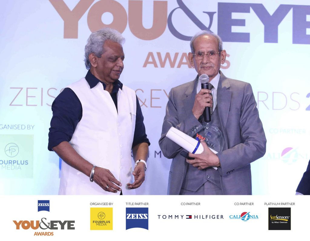 Winners for Excellence In Clinical Support- Retail Chains (All India) : Dayal Opticals